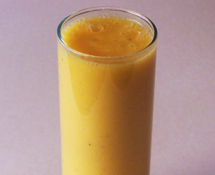 Fresh Pineapple Ginger and Banana Smoothie