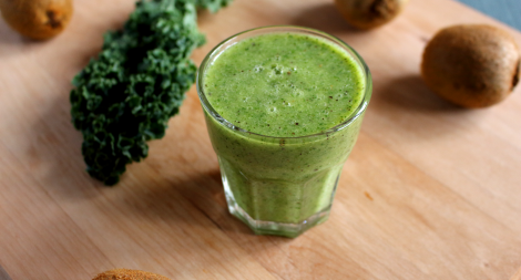 Kiwi Kale Ginger Banana Smoothie