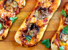 Zucchini Garlic and Mozzarella Pizza